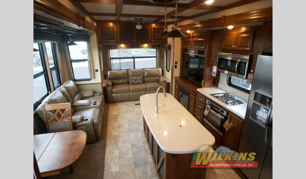 Heartland Bighorn Fifth Wheel interior
