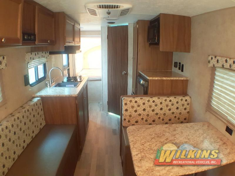 Coachmen Clipper Ultra-Lite Travel Trailers Expandable Interior