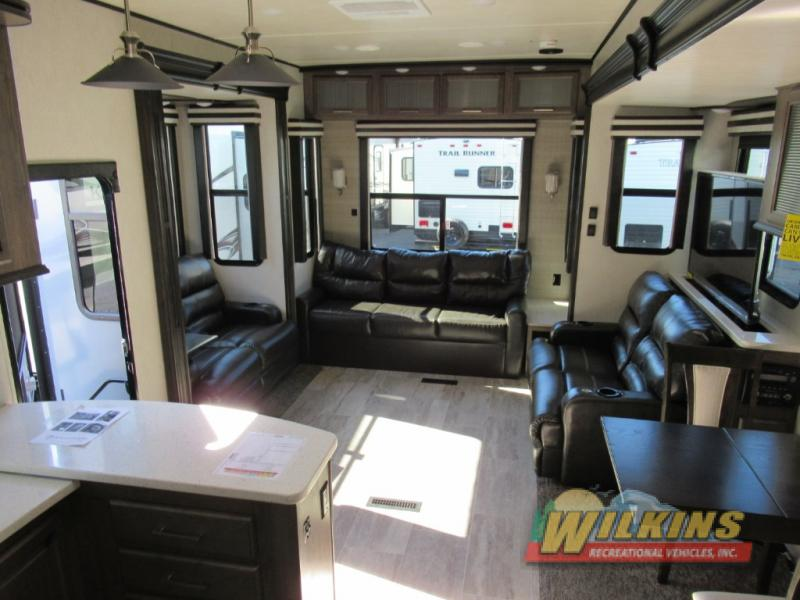 Heartland Gateway Fifth Wheel Interior