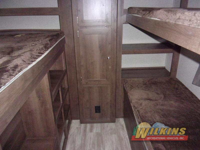 Shasta Oasis Bunkhouse Travel Trailer