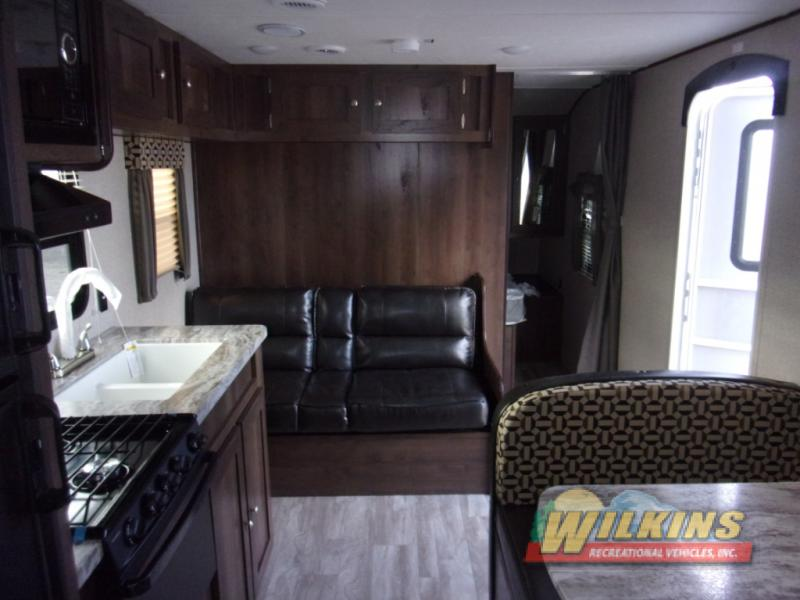Shasta Oasis Travel Trailer interior