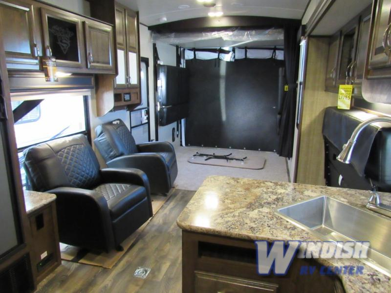 Fifth Wheel Amp Travel Trailer Toy Haulers The Best Deal