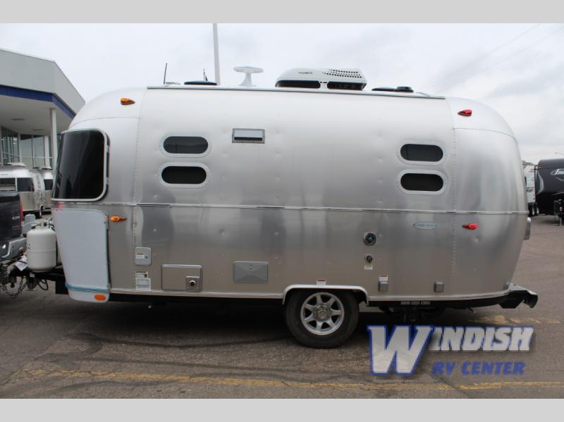 Airstream Flying Cloud Exterior