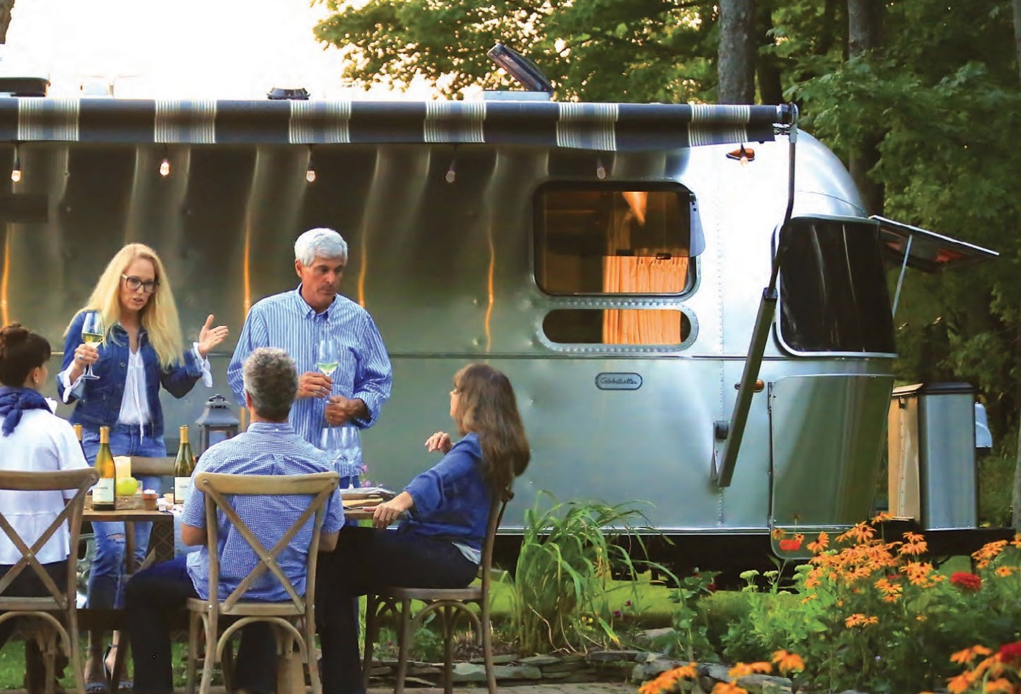 Airstream Globetrotter Review: 23' Trailer in a Twin Bedroom